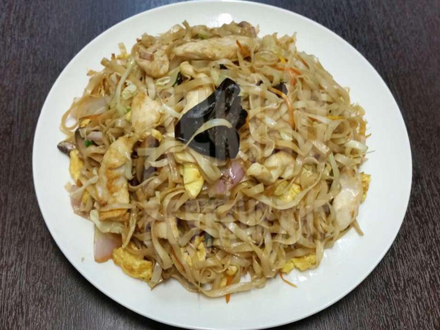 Νούντλς με κοτόπουλο & κινέζικα μανιτάρια